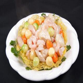 【华洋】Sauteed Seafood In A Bird Nest 雀巢海中宝