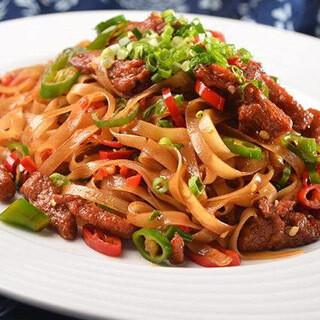 【华洋】Fried Ho Fun W. Beef & Vegetable 菜远牛河粉