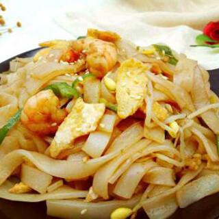 【华洋】Fried Ho Fun W. Egg & Shrimp 滑蛋虾球炒河粉