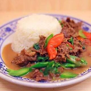 【华洋】Chinese Broccoli & Beef On Rice 芥兰牛肉饭