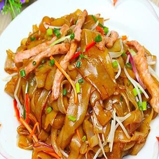 【华洋】Three Shredded Meat Chow Ho Fun 三丝炒河粉