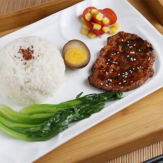 【华洋】Pan Fried Pork Chop On Rice 生煎猪扒饭