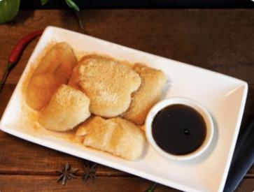 【十秒到】Glutinous rice cake topped w. brown sauce 红糖糍粑