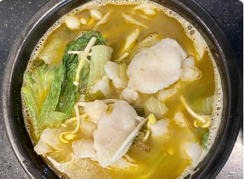 【十秒到】Rice Noodle With Pickled Green Mustard & Fish Fillet (Spicy Hot)  老坛酸菜鱼米线