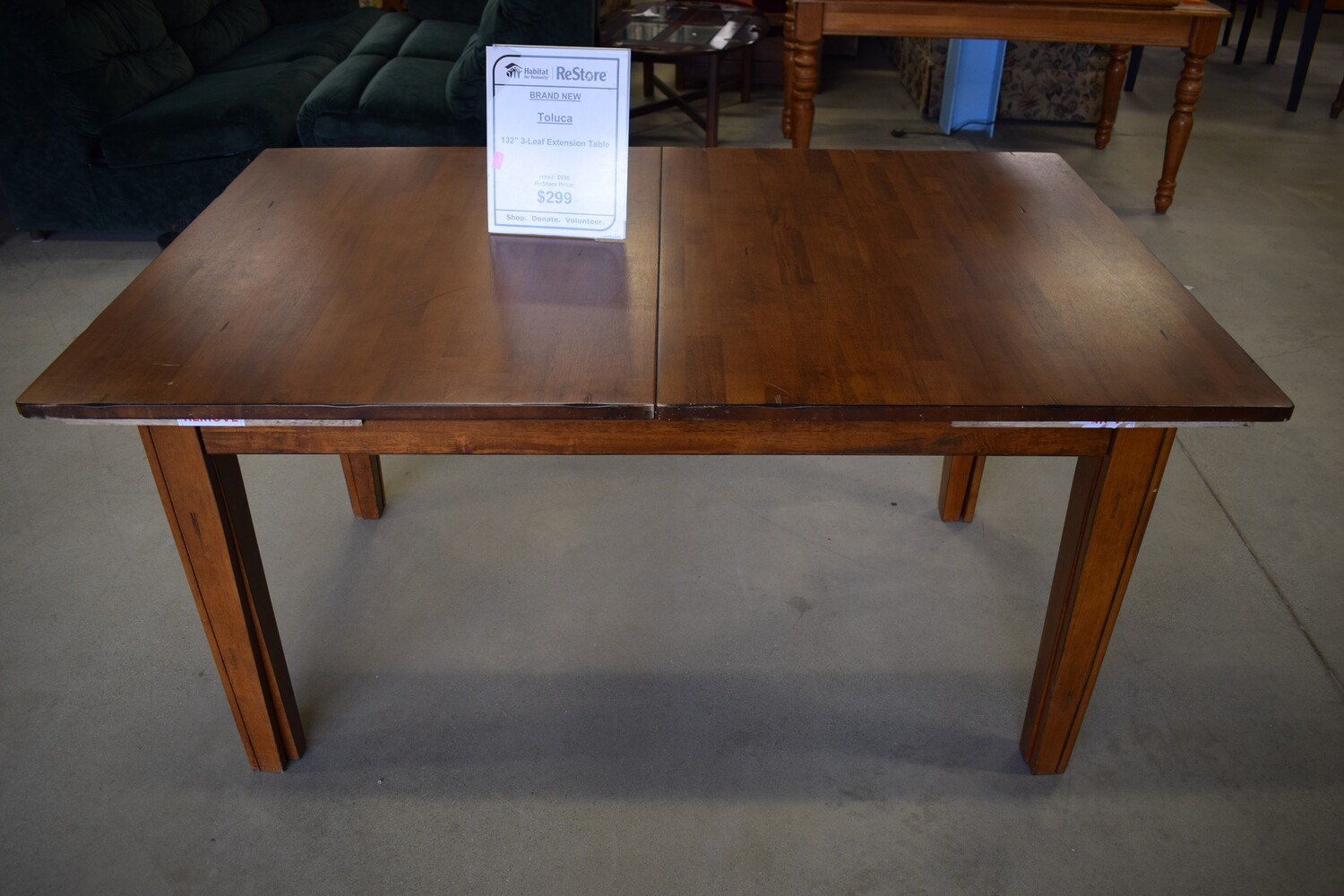 Toluca Extendable Dining Table w/ 3 Leaves