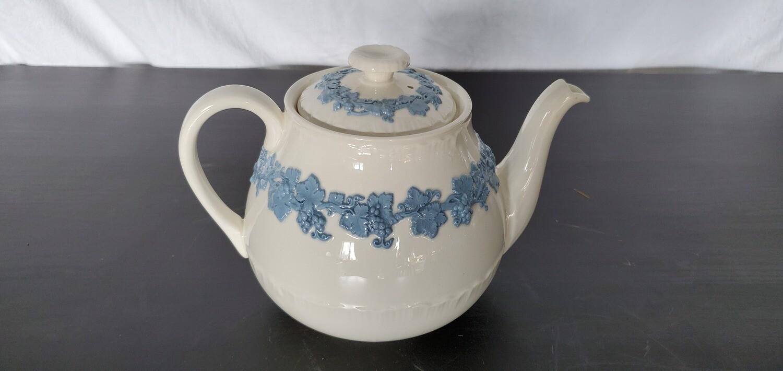 Cream Wedgwood Teapot w/ Lid