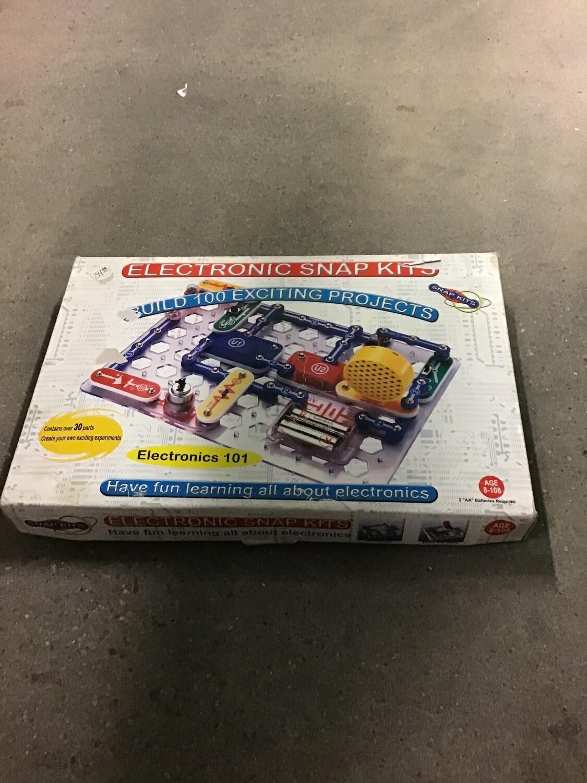 Snap Circuits Electronics 101 Kit