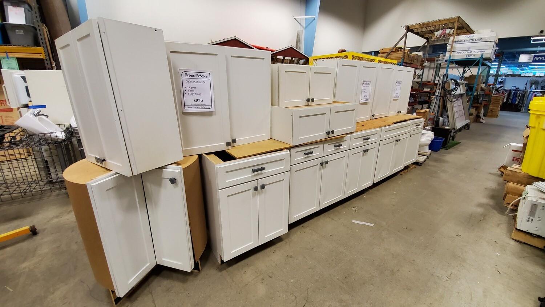 White Cabinet Set