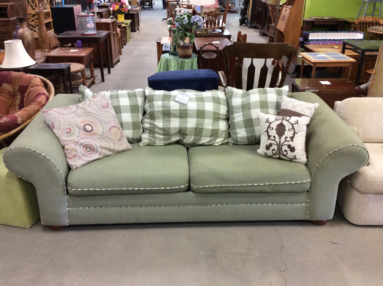 Green Plaid Cushion Sofa