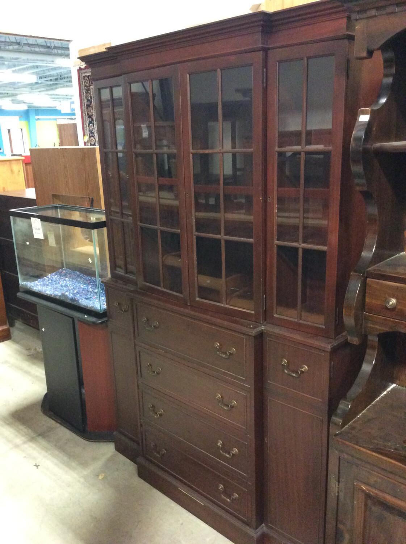 Cabinet Hutch