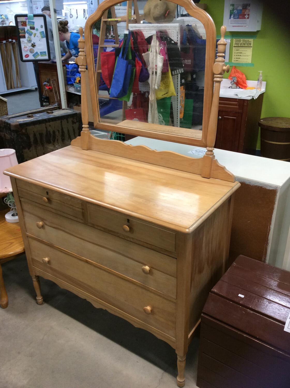4 Drawer Dresser w/ Mirror