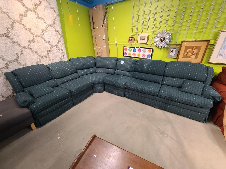 Green Sectional w/ Sleeper