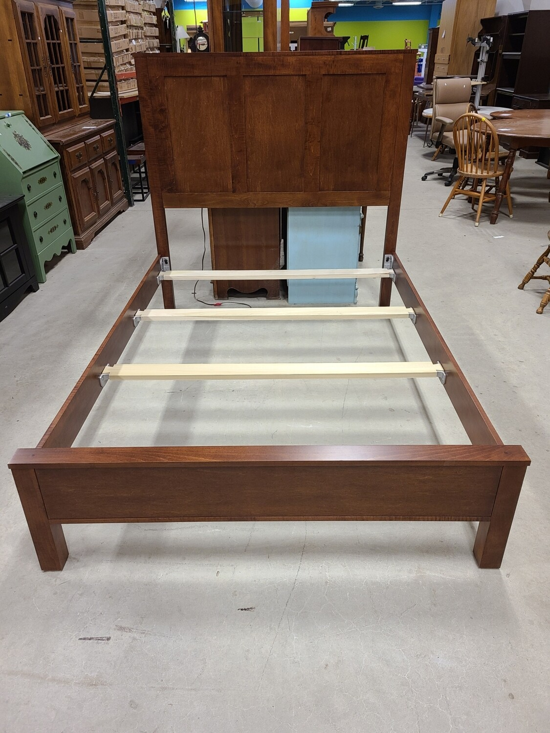 Daniel's Amish Collection Full Bedframe