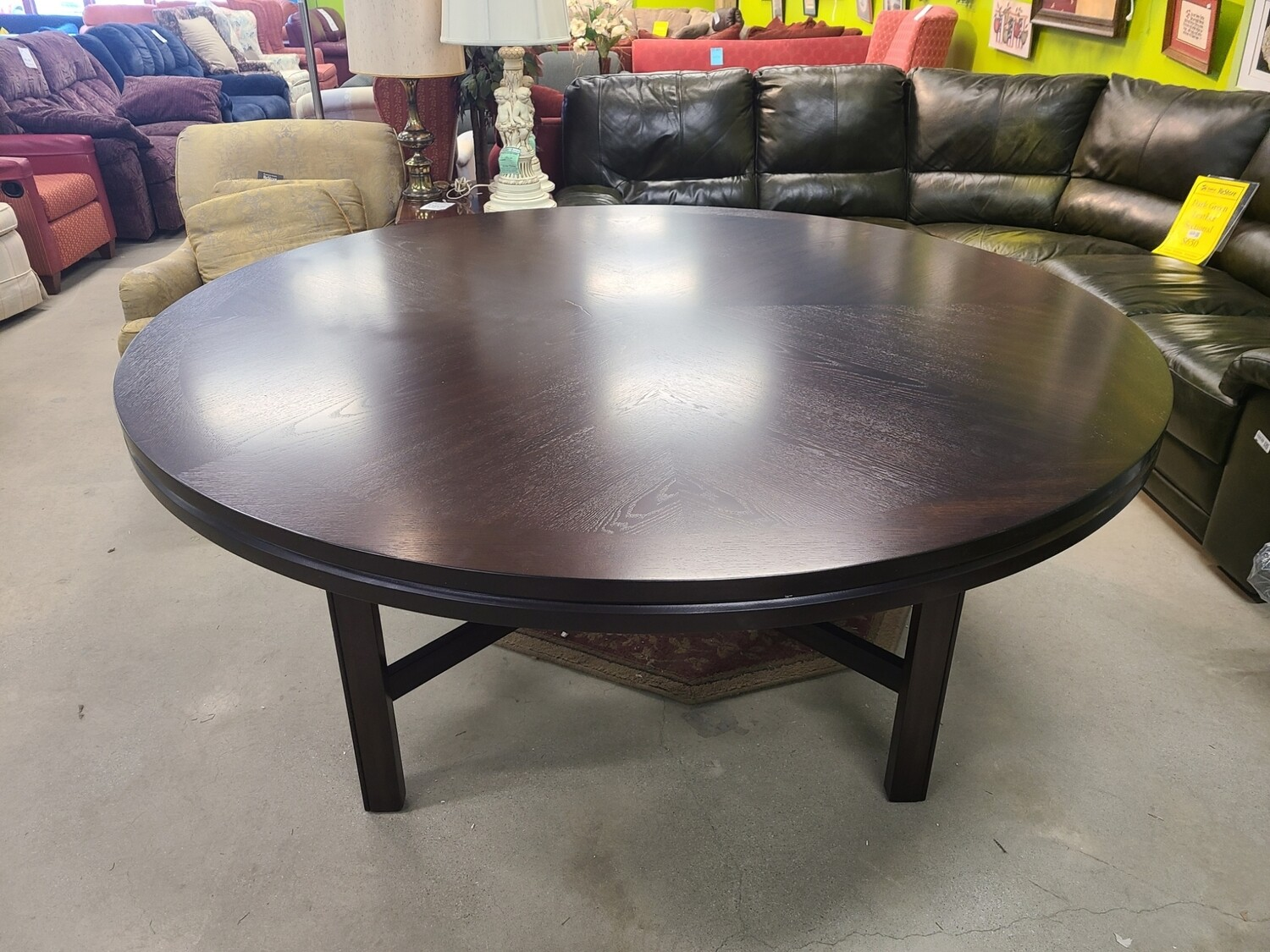 Hartford Round Dining Table