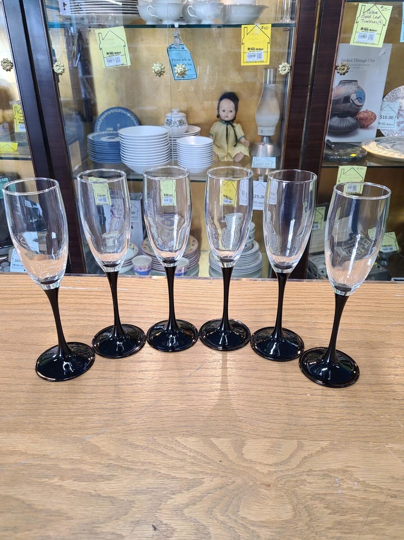 Luminarc Black Stemmed Champagne Glasses