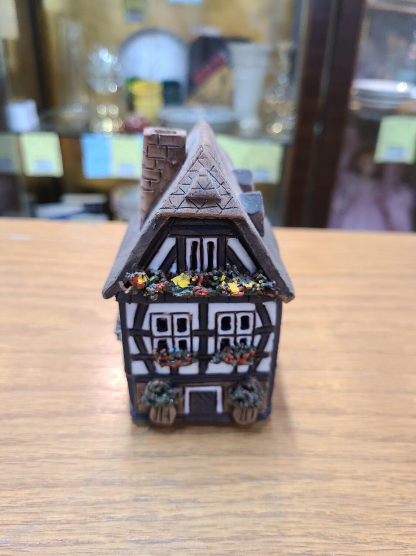 Kastel Keramik Haus