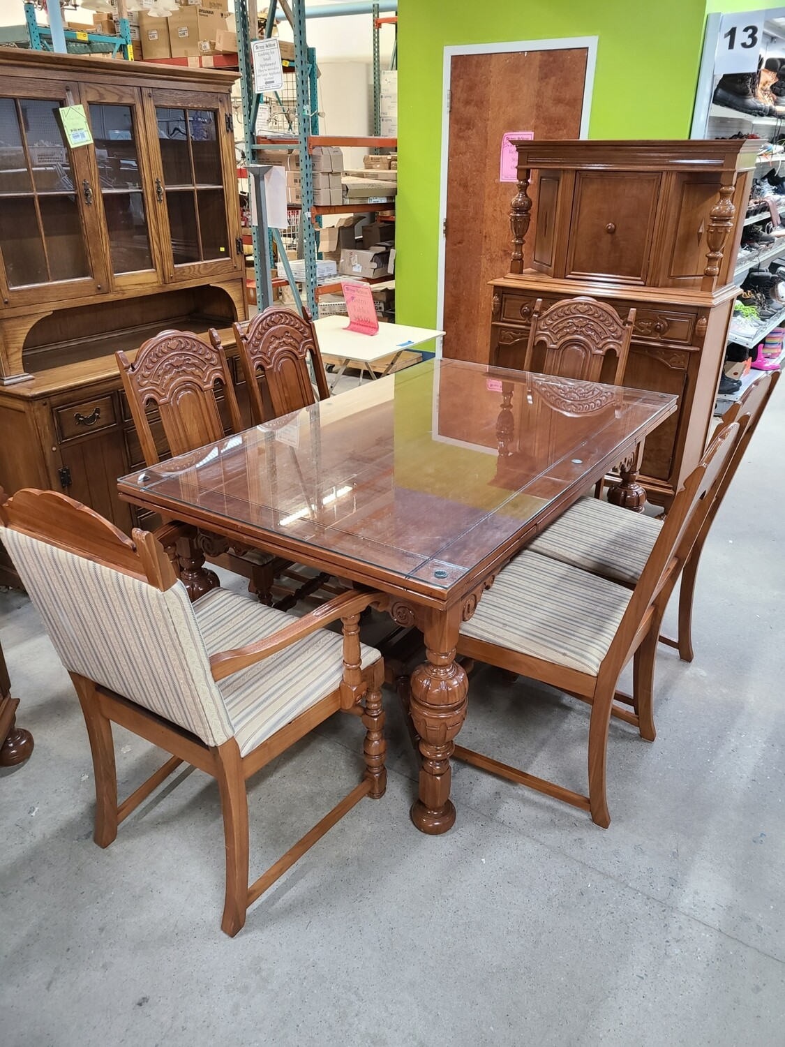 Jacobean-Style 1920s Dining Set (9)