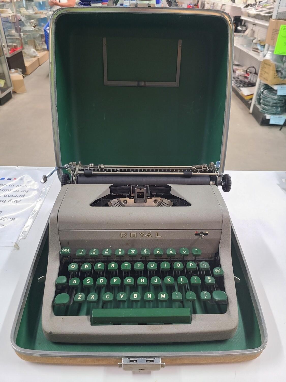 Royal Typewriter3