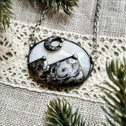 Кулон из лунного камня, меди и олова