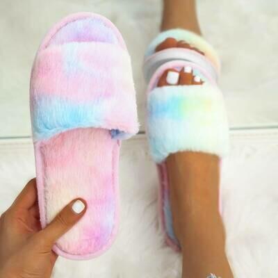 Разноцветные пушистые тапочки с открытым носком