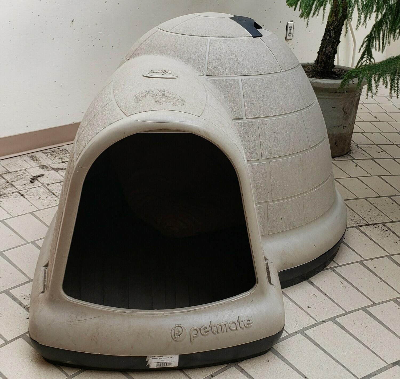 Igloo-Style Dog House