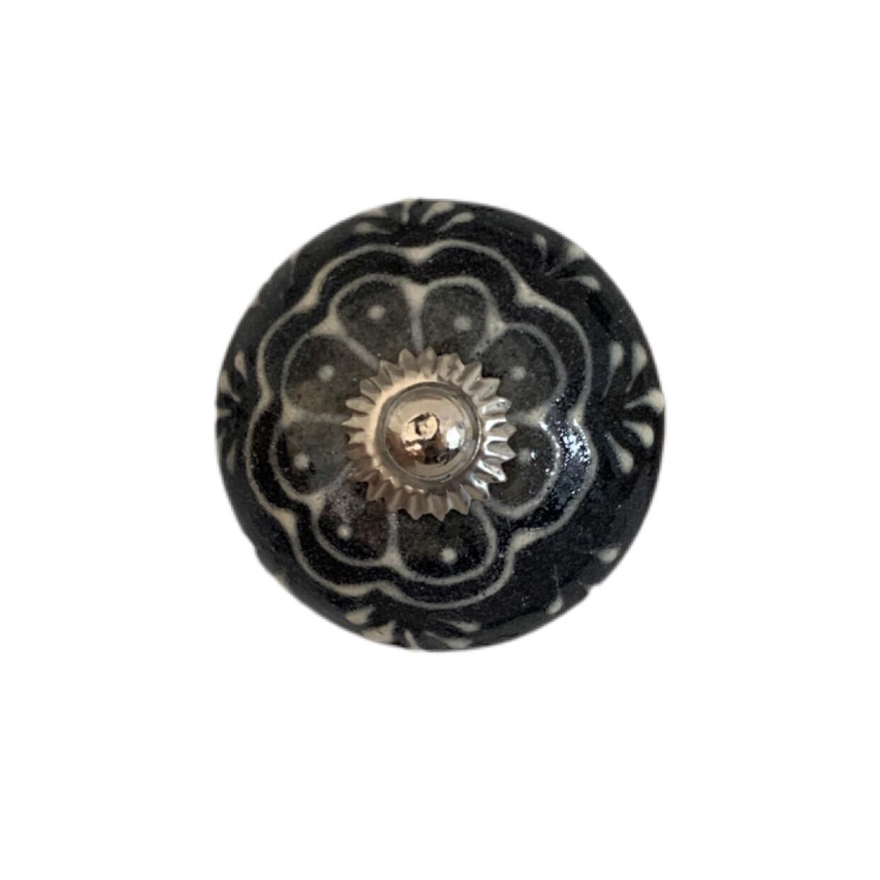 Black & White Ceramic Knobs 15A