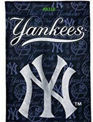 Yankees Decorative Suede Glitter Team Flag