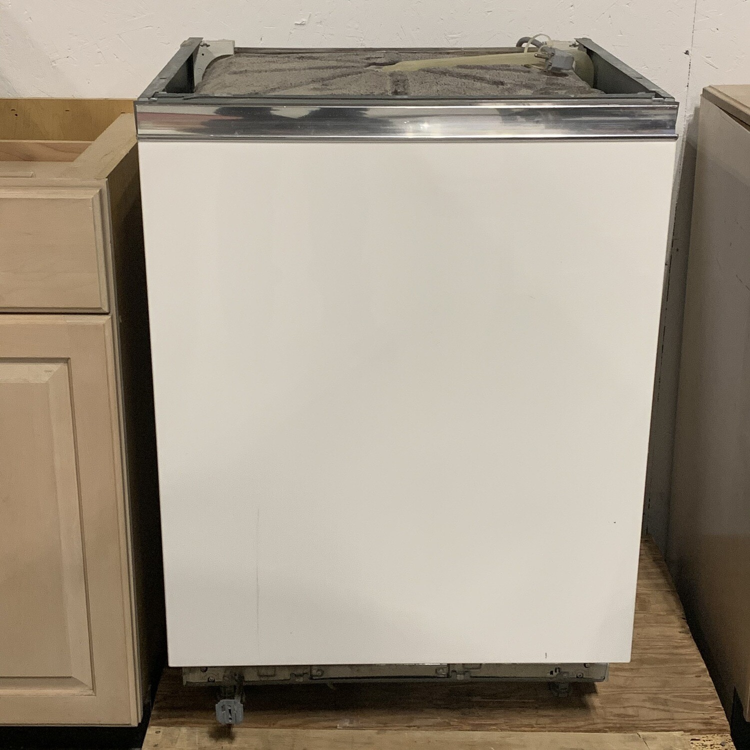 Miele White Dishwasher