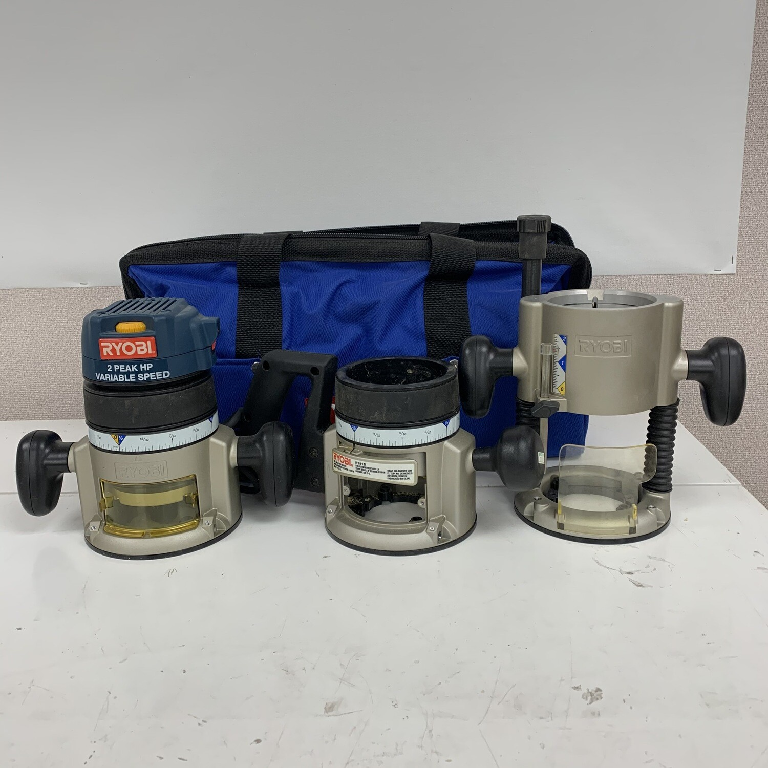 Ryobi Router With Fixed Base + Plunge Base & Carrying Bag