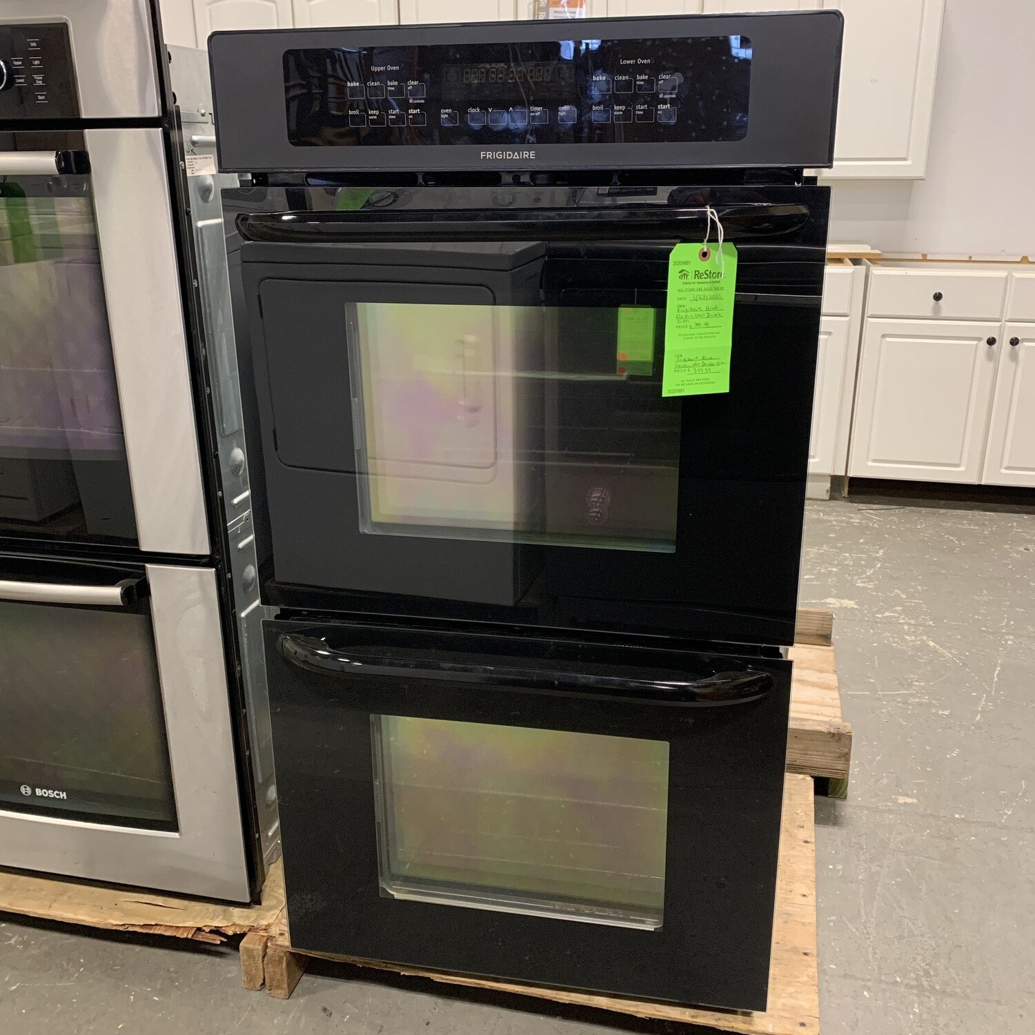 Frigidaire Black Electric Double Wall Oven