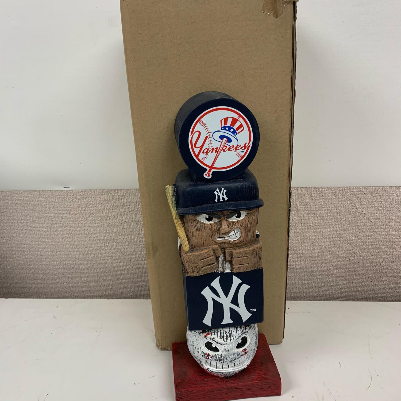 Yankees Tiki Totem