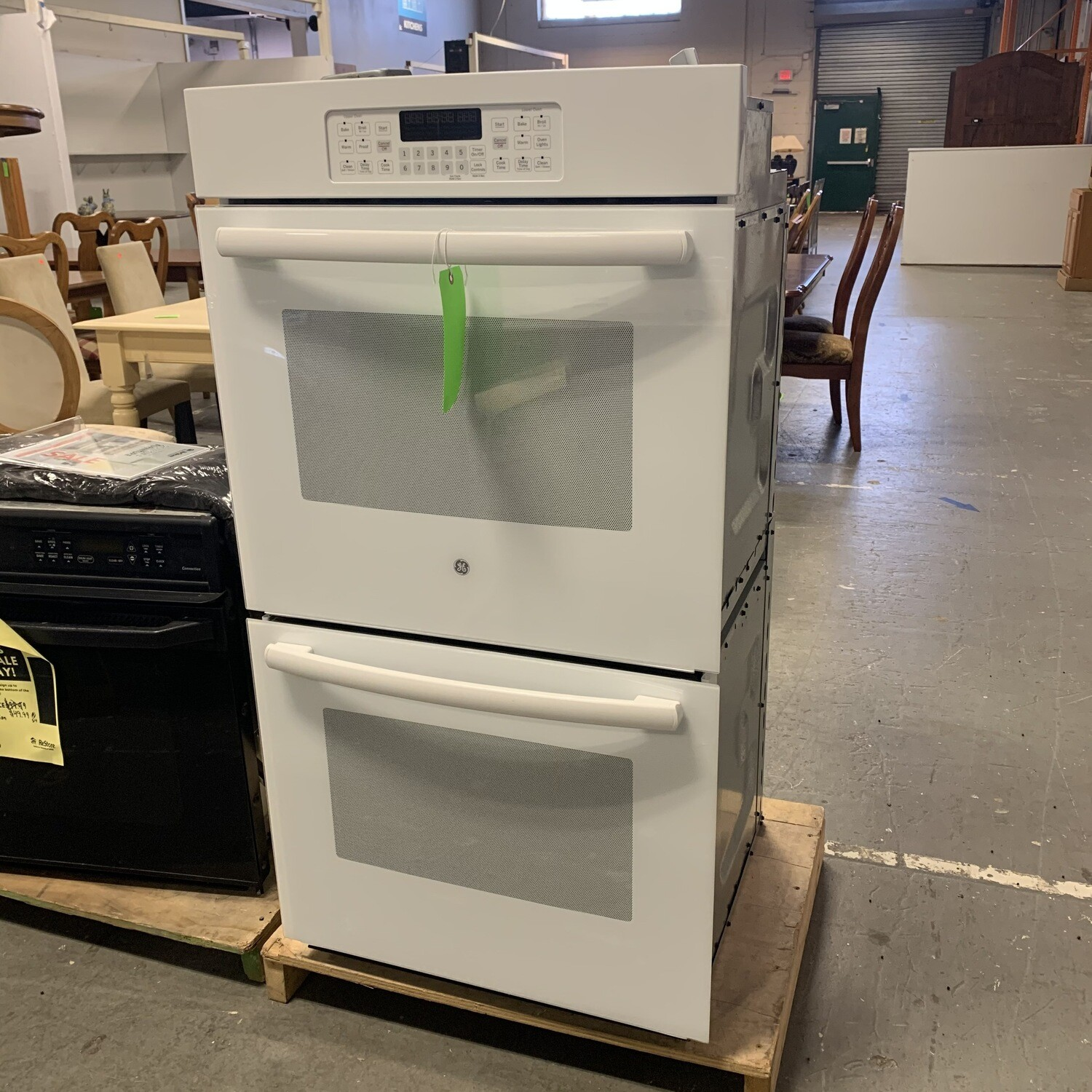 """GE Double Wall 27"""" White Oven"""