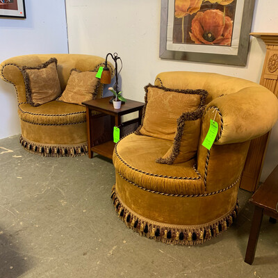 Gold Cuddle Seat