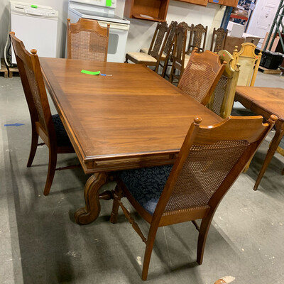 Rectangular Wood Dining Table With 2 Leaf's & 4 Chairs