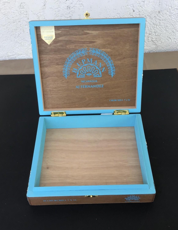 Cigar Box / H. Upmann