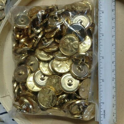 Buttons: Gold Tone, Metal