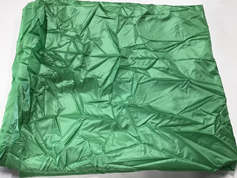 Fabric: Green Lightweight Lining