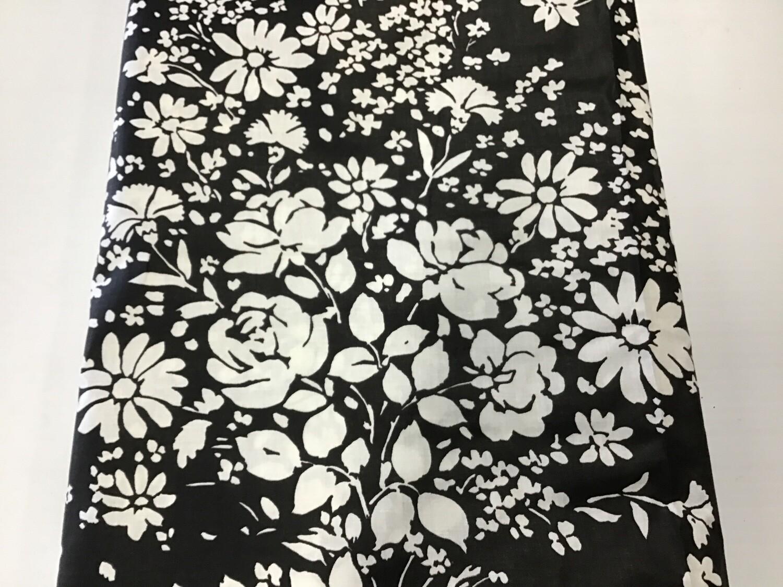 Fabric: B/W Bouquet
