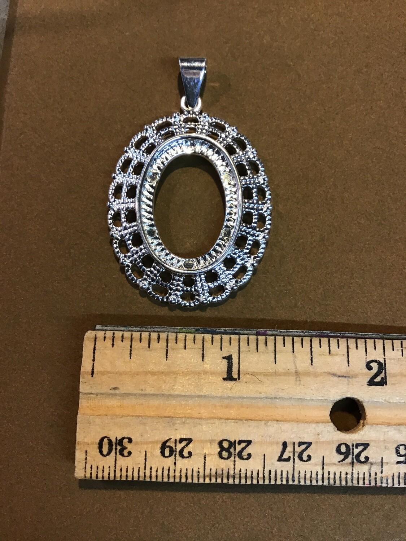 """Cabochon Holder Pendant (silver-tone) """"E"""""""