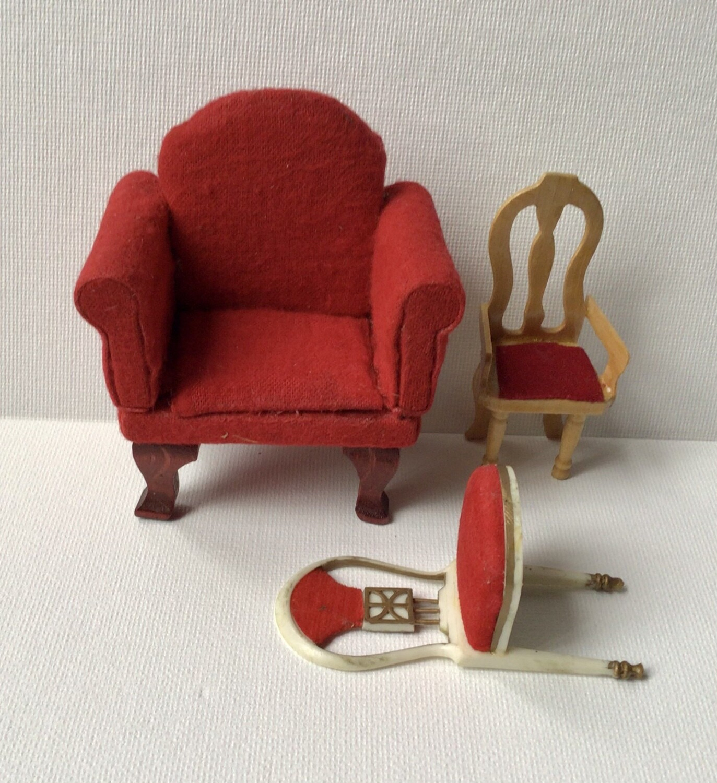 Miniature Furniture: Three Chairs Red