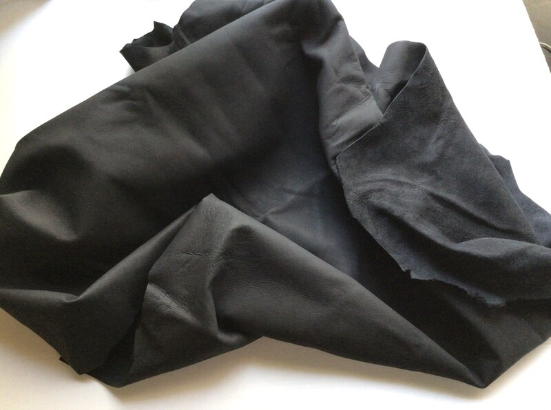 Leather: Flat Black