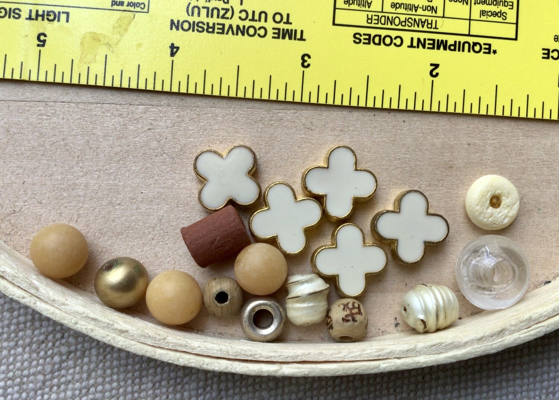 Beads: Misc. Cream