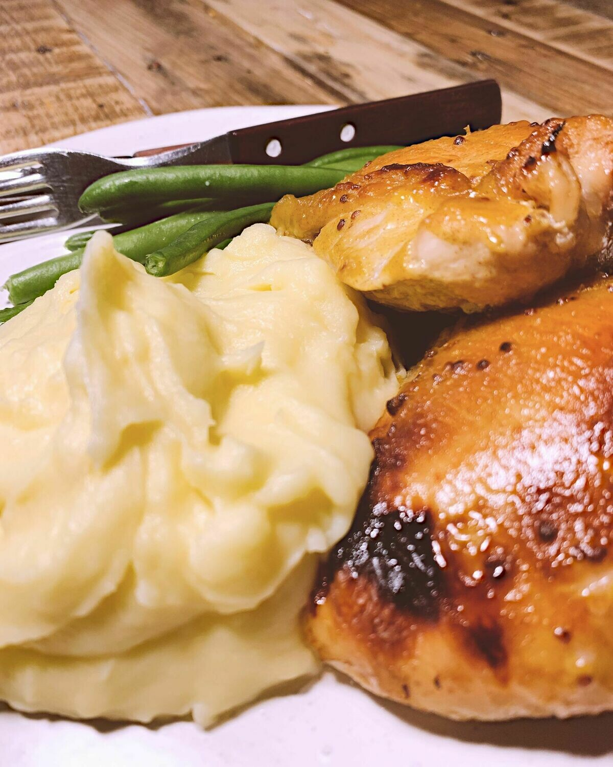 Honey Mustard Chicken, Garlic Mash & Beans