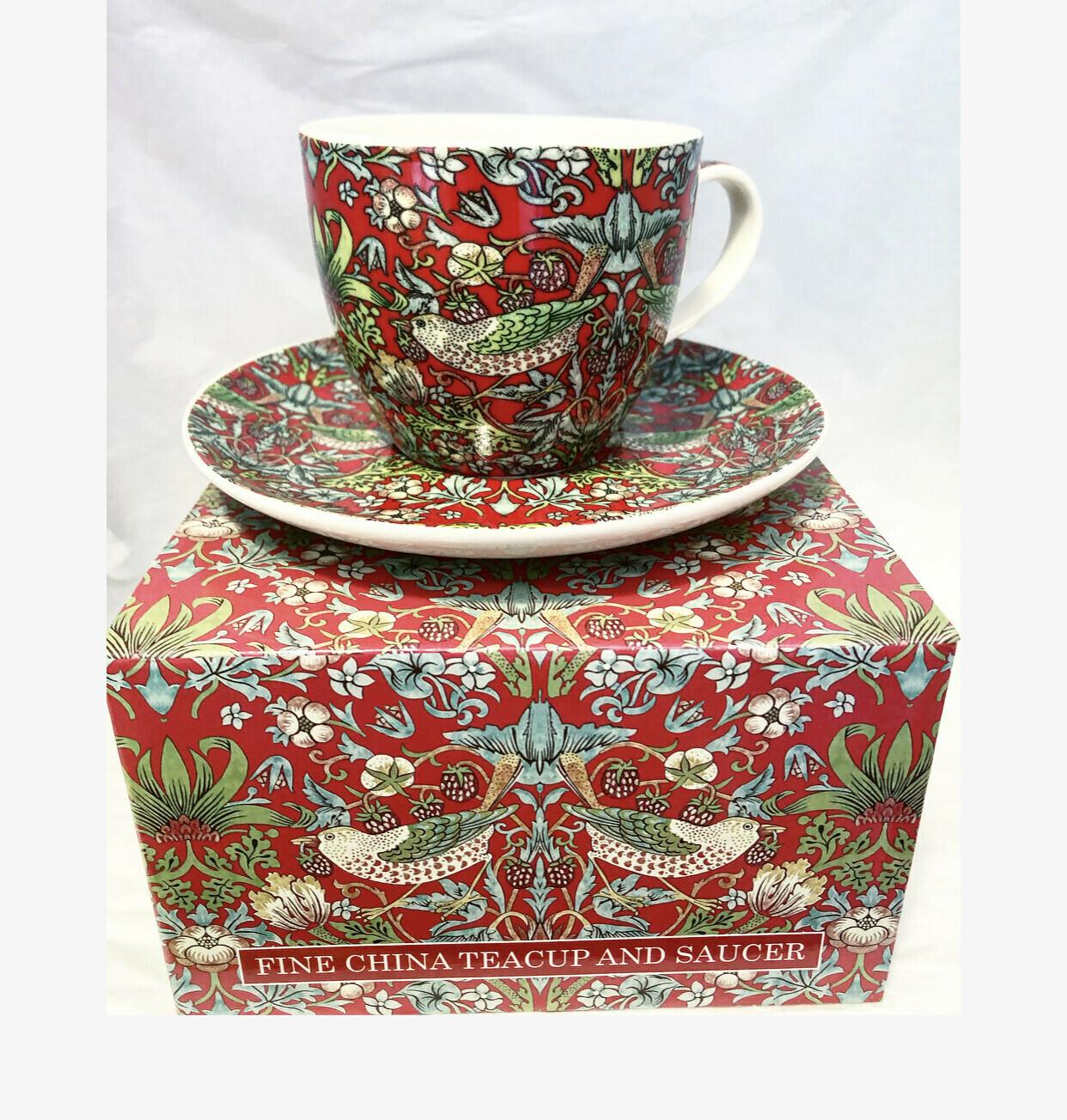 NOSTALGIC CERAMICS - TeaCup and saucer