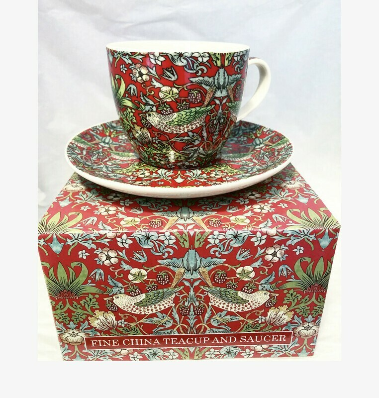 NOSTALGIC CERAMICS - TeaCup and saucer