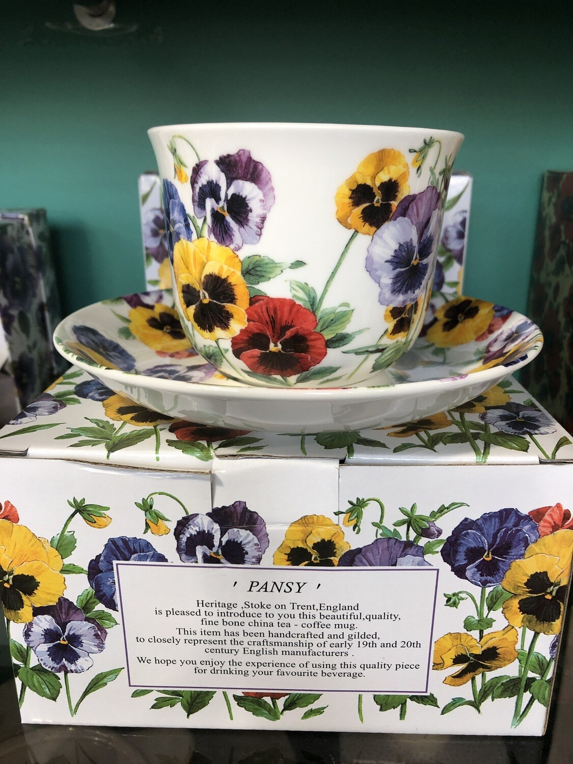 HERITAGE - Fine English Bone China Breakfast Cup and Saucer - Pansy