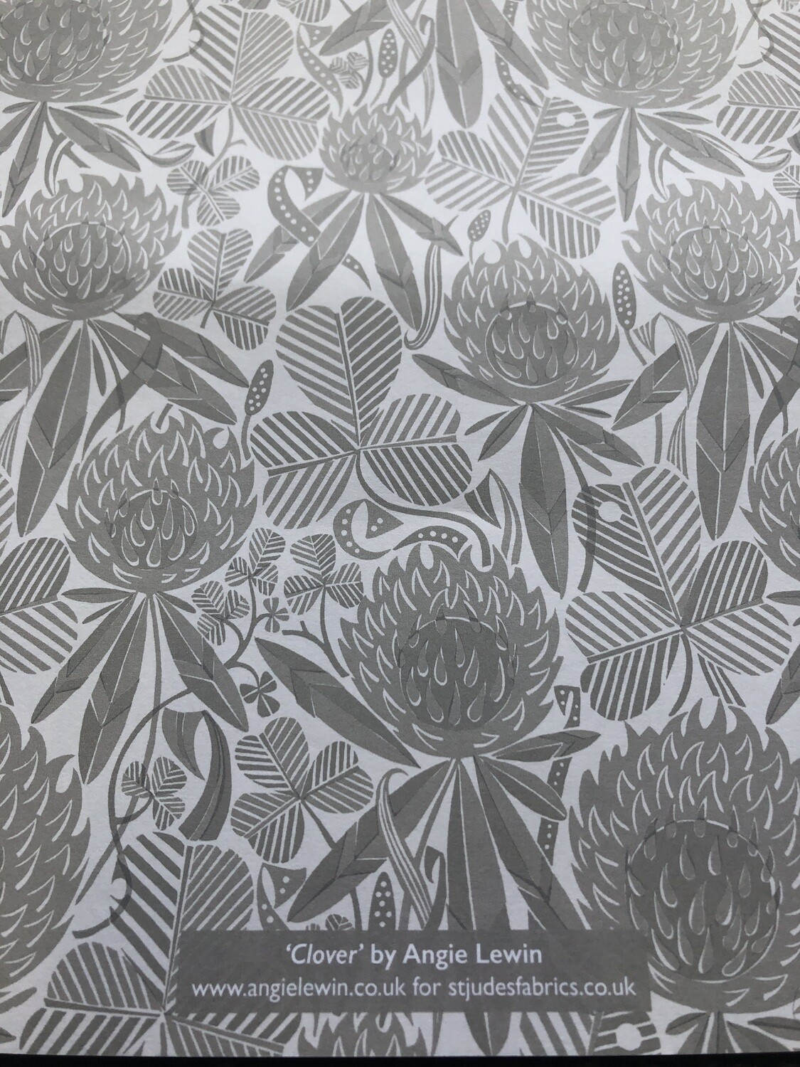 ART ÁNGELS - Wrapping Paper - 68cm x 50cm Clover By Angie Lewin