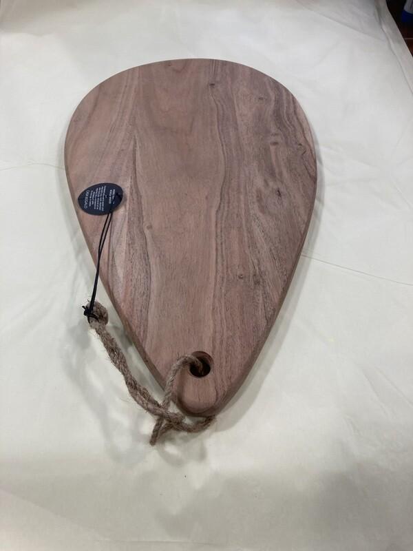CASA REGALO - Handcrafted servin g board -Acacia wood  42cm(L)/25cm (W)