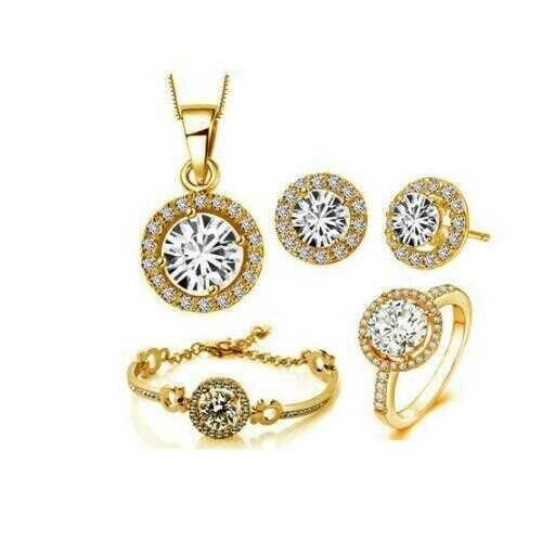 Queen's Luck SET OF 5 Pcs In Swarovski Crystal With White Yellow And Rose Gold Overlay -Style: Gold, Ring Size: 9