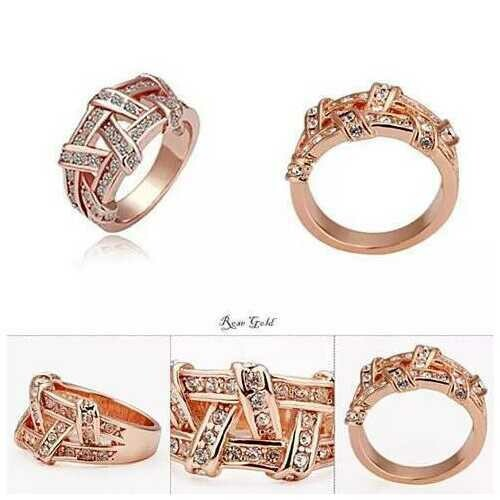 NYSA The Swarovski Crystal Cocktail Ring In Gold And Rose Gold -Color: Rose Gold, Size: 10